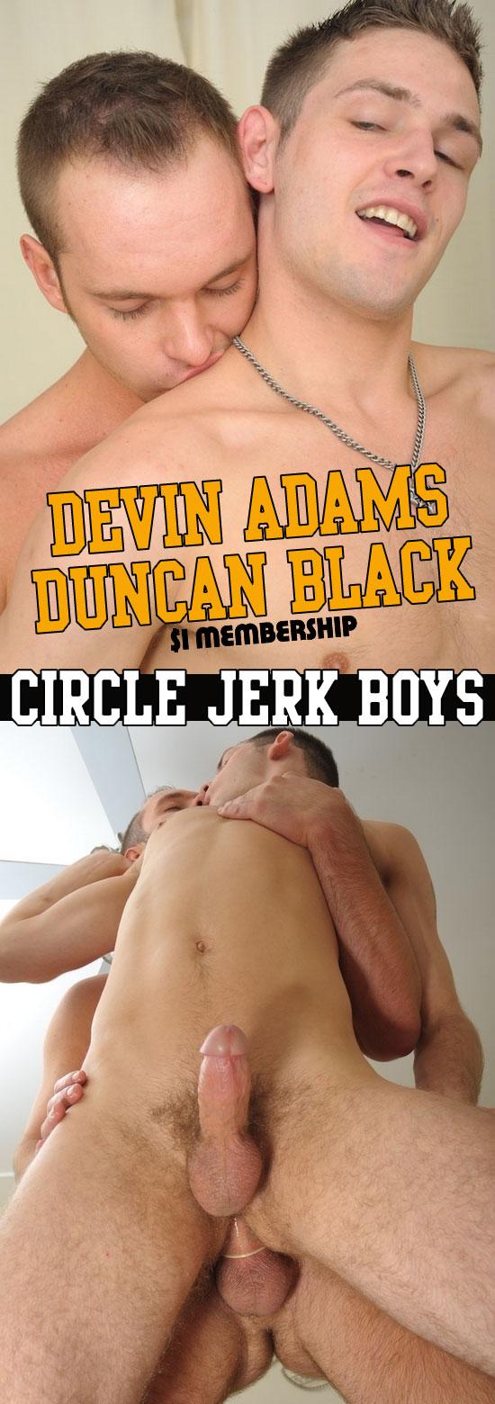 Devin Adams fucks Duncan Black