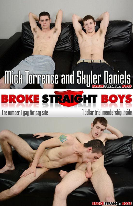 Mick Torrence and Skyler Daniels swap blowjobs